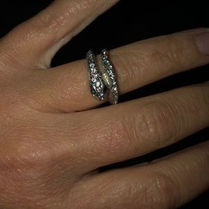 Jewelry - •Gently Used Ring